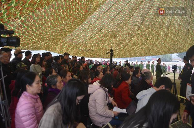 Xét xử thảm án nữ sinh giao gà: Bùi Thị Kim Thu run lẩy bẩy đứng trước vành móng ngựa, liên tục kêu oan - Ảnh 19.