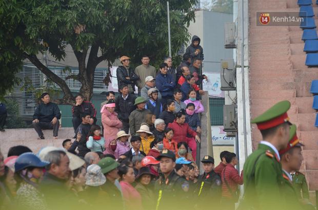 Xét xử thảm án nữ sinh giao gà: Bùi Thị Kim Thu run lẩy bẩy đứng trước vành móng ngựa, liên tục kêu oan - Ảnh 20.