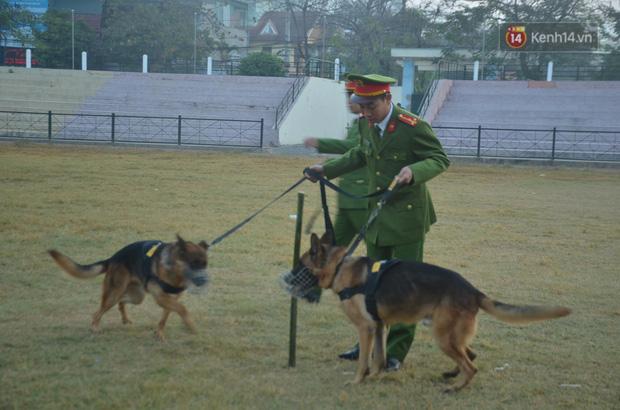 Xét xử thảm án nữ sinh giao gà: Bùi Thị Kim Thu run lẩy bẩy đứng trước vành móng ngựa, liên tục kêu oan - Ảnh 5.