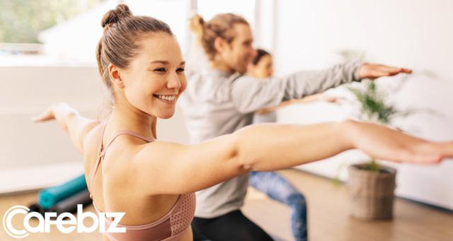 Năm mới rồi, đừng làm khổ mình nữa: 8 thói quen tốt càng duy trì 2020 càng lên hương - Ảnh 2.