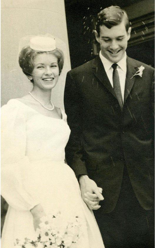 """Cuộc hôn nhân của nữ triệu phú lẫy lừng: Kết hôn năm 19 tuổi, đá bay chồng khi bị phản bội rồi hẹn hò với toàn tỷ phú, quý tộc và cái kết """"đắng"""" của chồng cũ - Ảnh 2."""