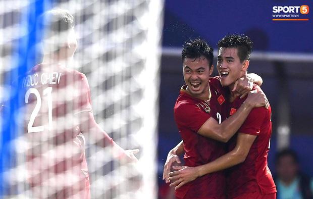 Vì sao U22 Việt Nam được trọng tài cho đá lại quả phạt đền? - Ảnh 7.