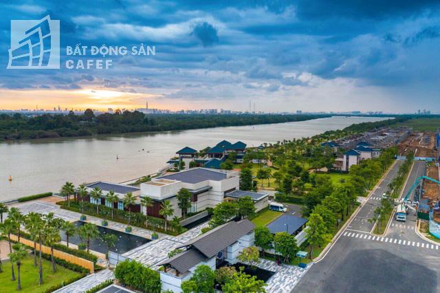 Bên trong khu dinh thự triệu đô ven sông Sài Gòn của giới nhà giàu ở Nhơn Trạch - Ảnh 1.