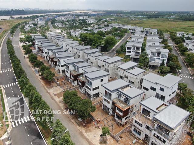 Bên trong khu dinh thự triệu đô ven sông Sài Gòn của giới nhà giàu ở Nhơn Trạch - Ảnh 6.