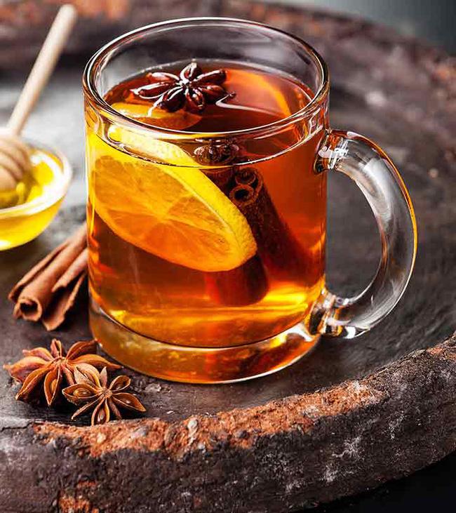 Đồ uống hỗ trợ giảm cân: Nước mật ong quế (Ảnh minh họa)