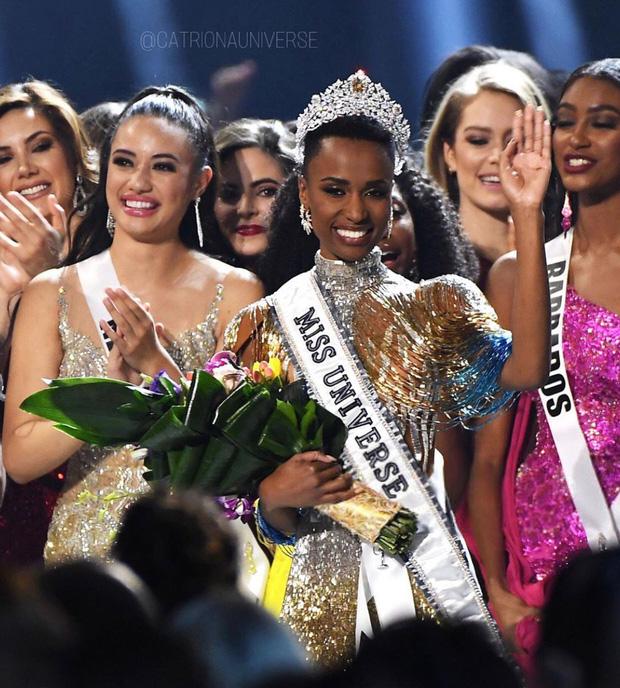 Nhan sắc lạ và đầy ấn tượng của mỹ nhân Nam Phi vừa đăng quang Miss Universe 2019 - Ảnh 3.