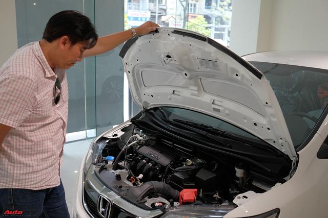 Sếp Nhật nói về thị trường ô tô Việt Nam: Quy định khó nhất thế giới nhưng câu sau mới đáng chú ý - Ảnh 2.