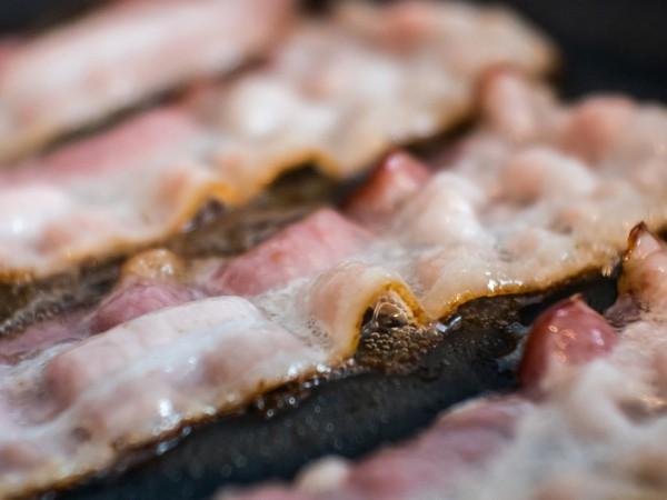 Tại sao thịt lợn bị cấm trong đạo Hồi? - Ảnh 1.