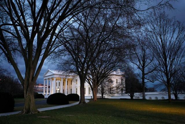 Một ngày làm việc của Tổng thống Trump: Ngủ 3-4 tiếng/đêm, thường không ăn sáng - Ảnh 1.