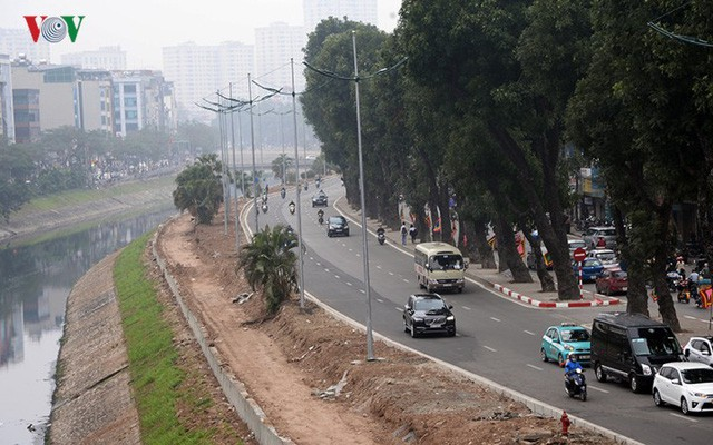 Sau cắt xén, 2 tuyến vành đai của Thủ đô rộng thênh thang sạch đẹp - Ảnh 1.