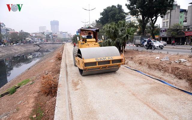 Sau cắt xén, 2 tuyến vành đai của Thủ đô rộng thênh thang sạch đẹp - Ảnh 3.