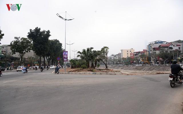 Sau cắt xén, 2 tuyến vành đai của Thủ đô rộng thênh thang sạch đẹp - Ảnh 6.