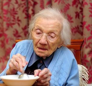 Bí quyết sống thọ của cụ bà đi qua 109 mùa Valentine vẫn chưa lấy chồng: Ăn cháo ấm mỗi sáng và tuyệt đối tránh xa đàn ông! - Ảnh 1.