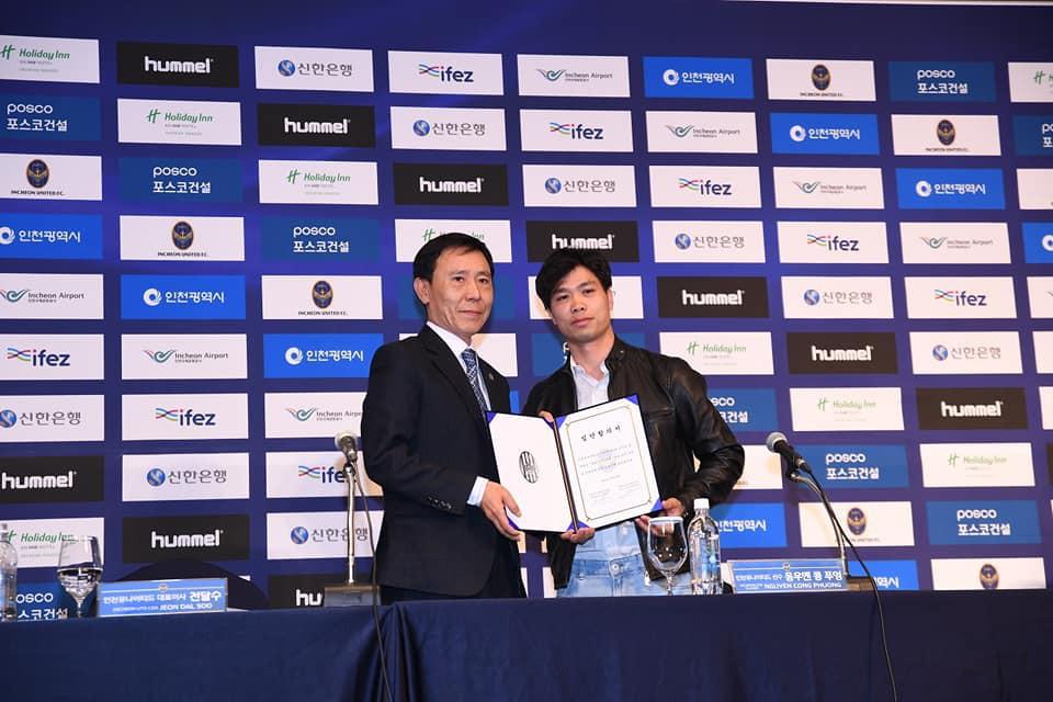 công phượng - photo 1 1550127712723767328045 - Công Phượng đầy nam tính và lịch lãm trong ngày ra mắt Incheon United