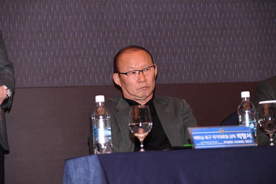 công phượng - photo 3 15501277154571340134412 - Công Phượng đầy nam tính và lịch lãm trong ngày ra mắt Incheon United