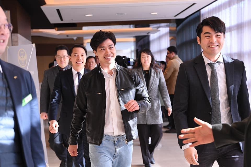công phượng - photo 6 15501277154662002119003 - Công Phượng đầy nam tính và lịch lãm trong ngày ra mắt Incheon United