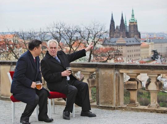 Cú sốc của Huawei ở Cộng hòa Czech - Ảnh 1.