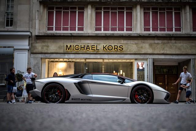 lamborghini - photo 4 15503709077531321093173 - Lời trần tình của nhân viên bán Lamborghini: 'Đừng đuổi một cậu bé 19 tuổi ra khỏi showroom'