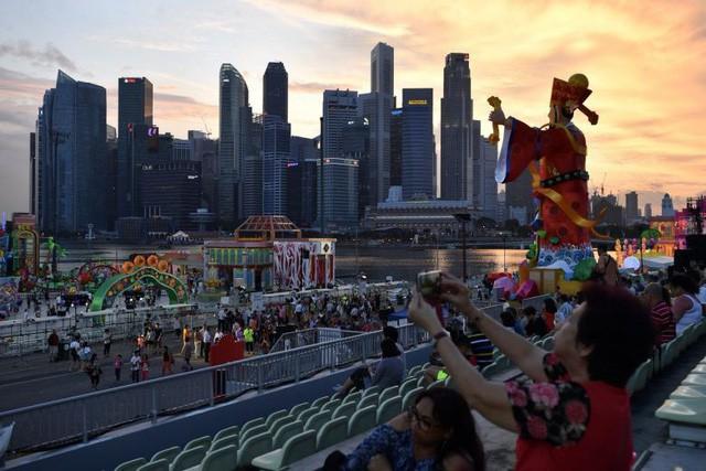 Singapore: Người dân tham công tiếc việc không muốn nghỉ lễ, Tết nhiều  - Ảnh 4.