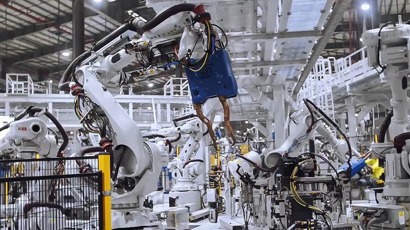 vinfast - anh 1 5 1550654082951443195549 - VinFast sản xuất thành công thân vỏ xe Lux SUV, chiếc ô tô 'made in Vietnam' đầu tiên sẽ xuất xưởng ngay tháng 3/2019