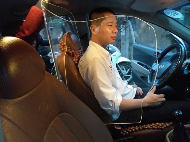 Người thiết kế vách ngăn bảo vệ cho tài xế taxi ở Hà Nội: Mình quan tâm nhất là tính mạng của họ, vì mình cũng từng là tài xế! - Ảnh 1.