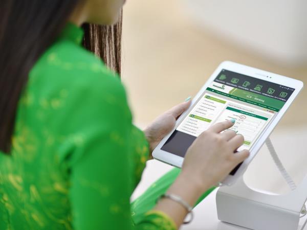 4 trải nghiệm với dịch vụ ngân hàng điện tử của Vietcombank - Ảnh 1.