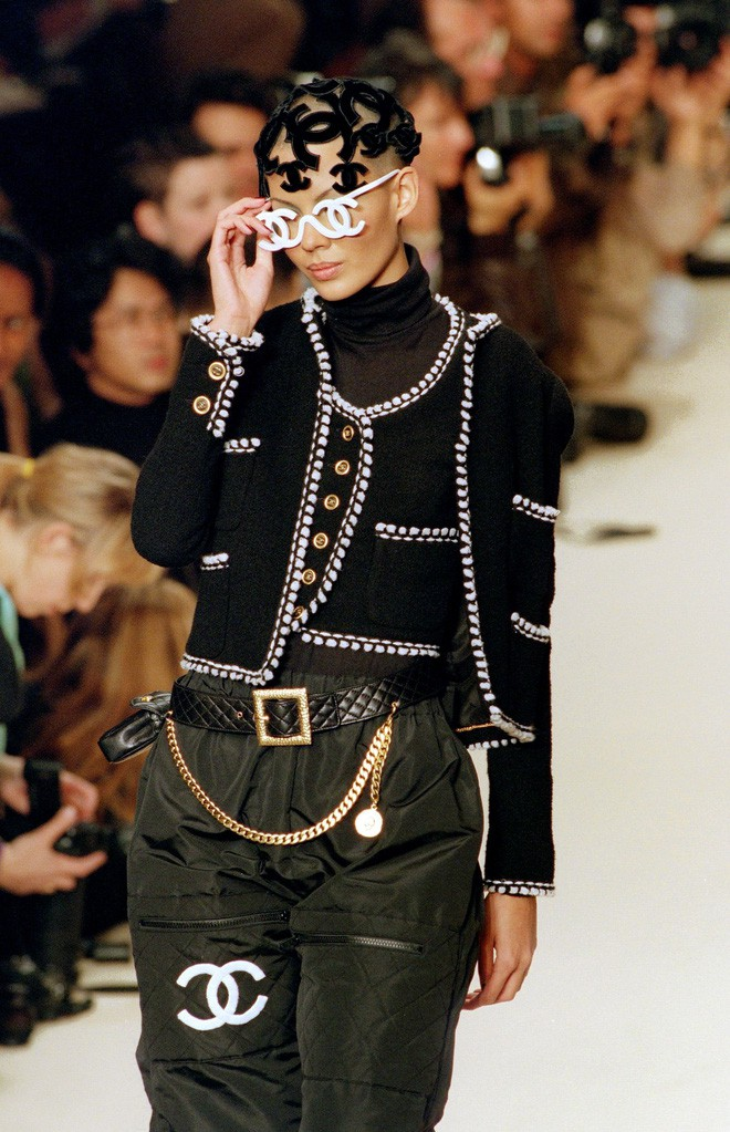 karl lagerfeld - photo 4 15506260037131218522194 - Nếu không có Karl Lagerfeld, Chanel đã không trở thành một đế chế bất bại như ngày hôm nay