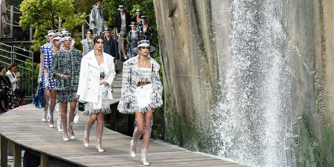 karl lagerfeld - photo 9 1550626003725220391355 - Nếu không có Karl Lagerfeld, Chanel đã không trở thành một đế chế bất bại như ngày hôm nay