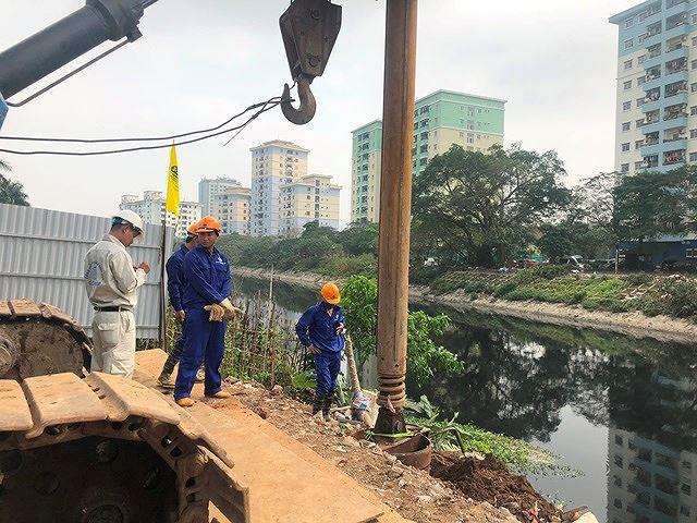 Cầu vượt sông Tô Lịch xây dựng trong 175 ngày - Ảnh 1.