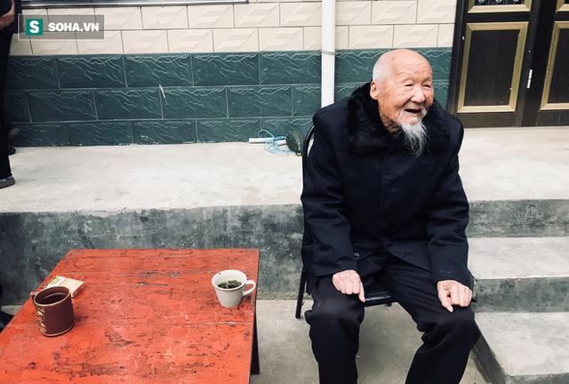 cụ ông trang học lễ - photo 1 15508273104751085838581 - Lão nông sống thọ 117 tuổi tiết lộ: Tiền bạc chưa chắc đổi được sức khỏe, mà là 7 điều này