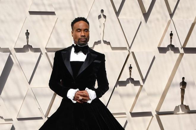 """oscar 2019 - photo 4 15510638249321085102670 - Nhân vật ăn vận """"chặt chém"""" nhất thảm đỏ Oscar 2019 không phải người đẹp mà chính là nam nhân này"""