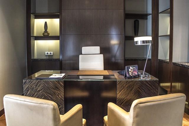 Có gì đặc biệt bên trong phòng Tổng thống ở các khách sạn siêu sang Hà Nội - Ảnh 9.