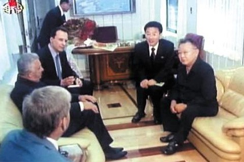 Đoàn tàu siêu kiên cố của ông Kim vừa đến Việt Nam: Đạn xuyên giáp bắn không thủng, thách thức cả bom, mìn - Ảnh 4.