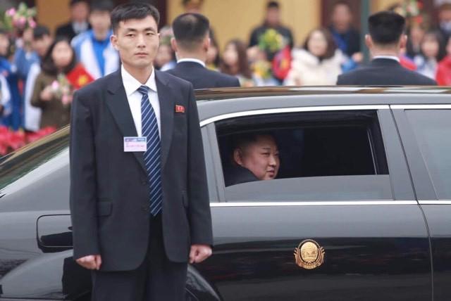 Siêu xe bọc thép Mercedes S600 đưa chủ tịch Kim Jong-un từ Đồng Đăng về Hà Nội có gì đặc biệt? - Ảnh 4.