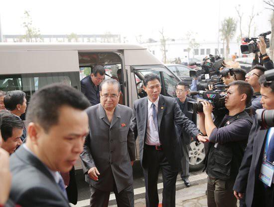 Phái đoàn Triều Tiên của Chủ tịch Kim Jong-Un đã đến thăm Tổ hợp nhà máy VinFast của tỷ phú Phạm Nhật Vượng - Ảnh 1.