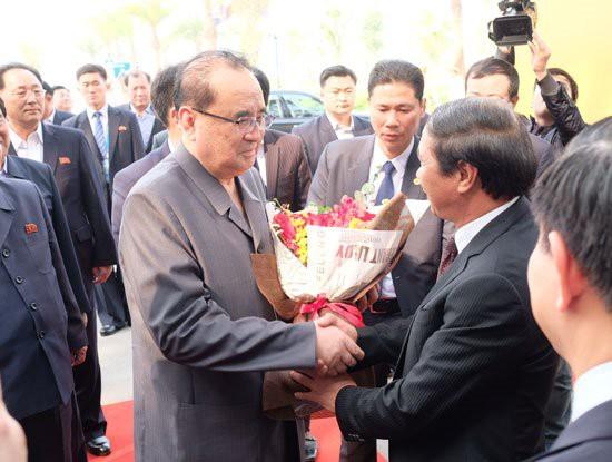 Phái đoàn Triều Tiên của Chủ tịch Kim Jong-Un đã đến thăm Tổ hợp nhà máy VinFast của tỷ phú Phạm Nhật Vượng - Ảnh 2.