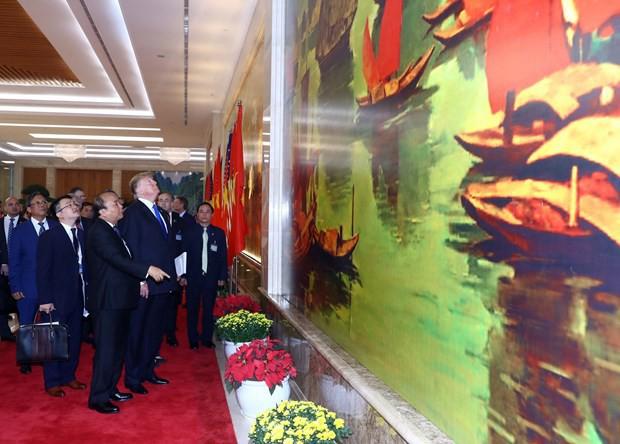 TT Trump rời Văn phòng Chính phủ sau bữa trưa làm việc cùng Thủ tướng Nguyễn Xuân Phúc, chuẩn bị trở về khách sạn - Ảnh 3.