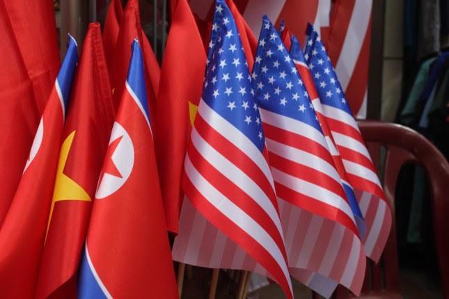 in áo hình nguyên thủ mỹ - triều tiên - photo 5 1551326232102661203878 - Thức đêm in áo hình nguyên thủ Mỹ – Triều Tiên, doanh thu tăng 6 lần