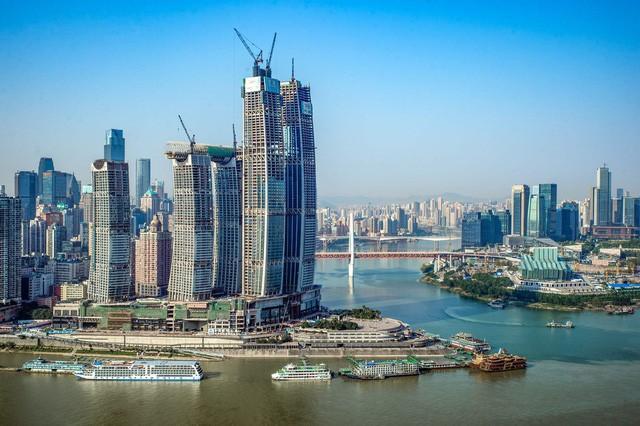 Khu tổ hợp với cao ốc nằm ngang của Trung Quốc sắp xây xong - Ảnh 2.