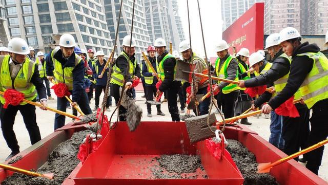 Khu tổ hợp với cao ốc nằm ngang của Trung Quốc sắp xây xong - Ảnh 5.