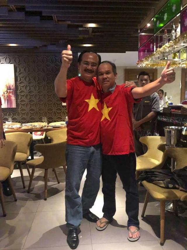 Đặng Lê Nguyên Vũ khiến số đông ngả mũ vì đôi giày 75 nghìn đồng và chuyện đại gia Việt giản dị tới khó có thể ngờ: Càng đỉnh cao, càng khác biệt - Ảnh 3.