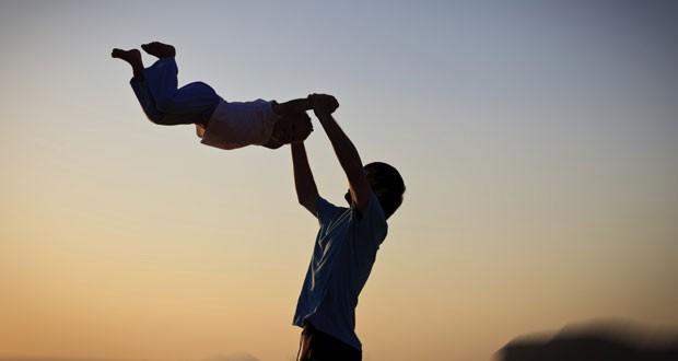 Mê lực đàn ông tốt: 15 điều phụ nữ nhìn trước tiên khi chọn bạn đời - Ảnh 3.