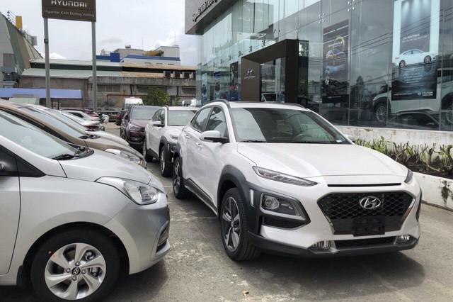hyundai santa fe - photo 2 1552285900461757700343 - Giá giảm, doanh số Hyundai Santa Fe vẫn sụt mạnh sau tháng sốt hàng trước Tết