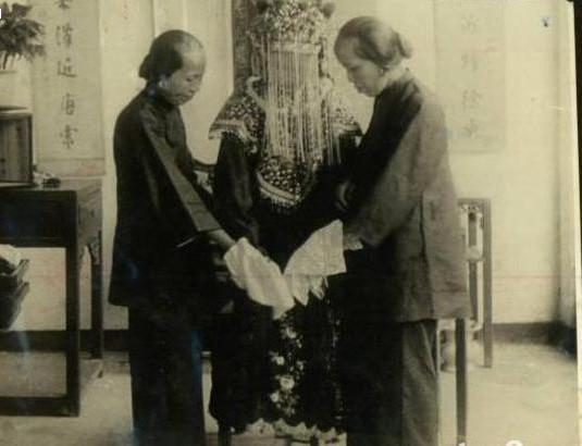 Ảnh hiếm về cách tổ chức hôn lễ của một gia đình quý tộc Trung Quốc thời nhà Thanh - Ảnh 16.