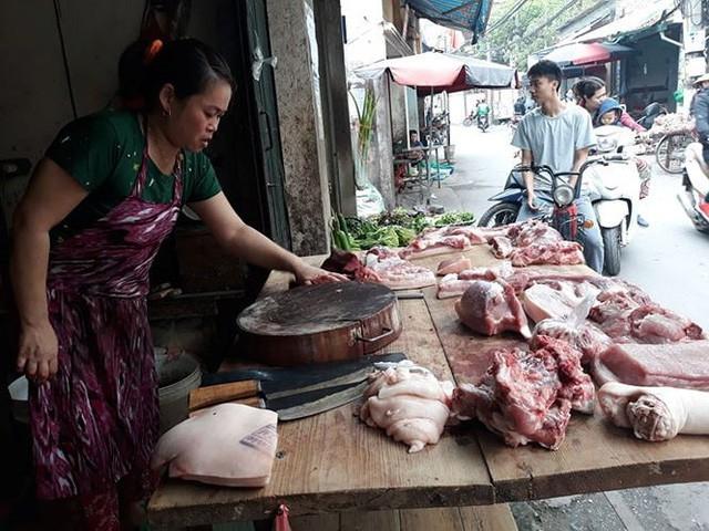 Bộ trưởng Nông nghiệp kêu gọi người tiêu dùng không quay lưng với thịt lợn - Ảnh 2.