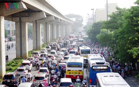 Cấm xe cả tuyến dài là phản khoa học, khổ sở cho người dân - Ảnh 1.