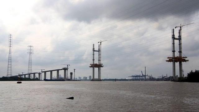 Ảnh: Cầu dây văng tĩnh không cao nhất Việt Nam trên cao tốc Bến Lức - Long Thành - Ảnh 2.