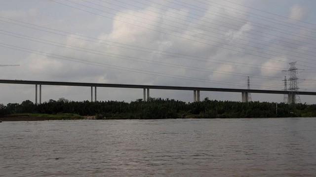 Ảnh: Cầu dây văng tĩnh không cao nhất Việt Nam trên cao tốc Bến Lức - Long Thành - Ảnh 5.