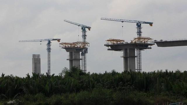 Ảnh: Cầu dây văng tĩnh không cao nhất Việt Nam trên cao tốc Bến Lức - Long Thành - Ảnh 7.