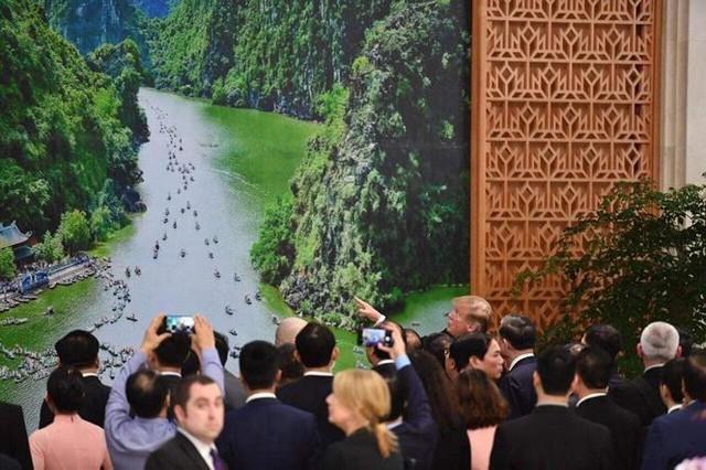 Tổng thống Mỹ vừa khen, phóng viên quốc tế đổ xô về Tràng An Ninh Bình - Ảnh 3.